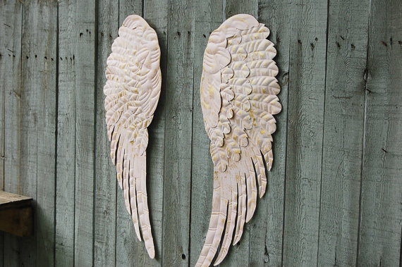 Pink angel wings wall decor