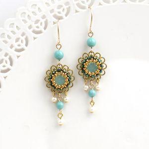 Flower dangle earrings, Spring earrings, Romantic earrings, Vintage style earring, Sister gifts, Floral earrings, Dainty earring