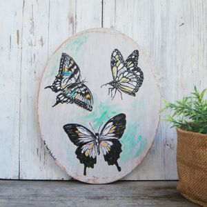 Oval Wall Art, Butterflies Wall Sign, Butterfly Print, Bedroom Decor, Rustic wood sign, Natural Wall Art, Round Wall Hanging
