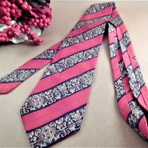 Mens Necktie Claiborne Designer Italian Silk Tie Red Gold Blue Geometric Stripe Neckwear Vintage Mens Business Suit Formal Accessory