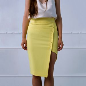 Asymetrical pencil skirt in yellow