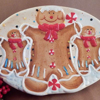 Serving Plate Gingerbread Cookie Platter Oval Ceramic Hand Painted Christmas Dish Vintage 1990s Winter Holiday Tableware