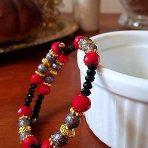 Black Red Beaded Memory Wire Bracelet Gray Gold Bracelet Boho Casual Bracelet Everyday Slate Grey Jewelry Wire Wrapped Bracelet Gift for Her