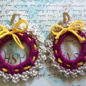 Set of Two Small Crochet Wreath Appliques. Handmade Crochet Wreath.