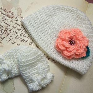 Baby Hat and Mittens. White Crochet Baby Hat and Mittens.