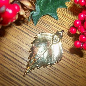Gold Leaf Pendant Handcrafted Artistic Nature Inspired Gilt Leaves Vintage Jewelry