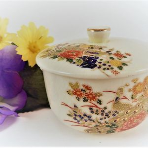 Powder Jar Ceramic Covered Dish Vintage 1970s Vanity Table Jewelry Box Ring Keeper Asian Home Decor