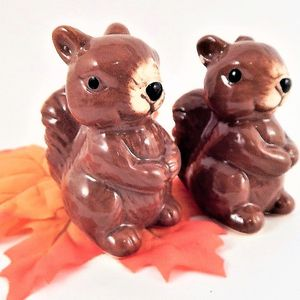 Ceramic Squirrel Salt and Pepper Shakers Vintage Thanksgiving Dining Accessory Fall Tableware