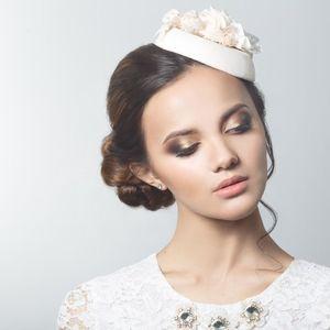Retro mini bridal hat